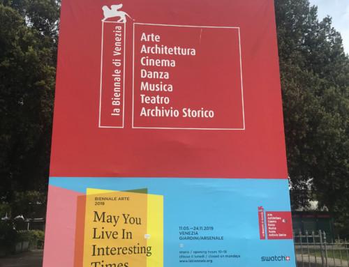 Biennale cartellone esterno